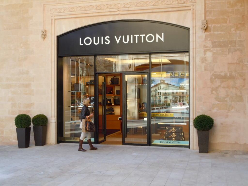 Louis Vuitton trotsar spanska finanskrisen – satsar på butik på Paseo de Born