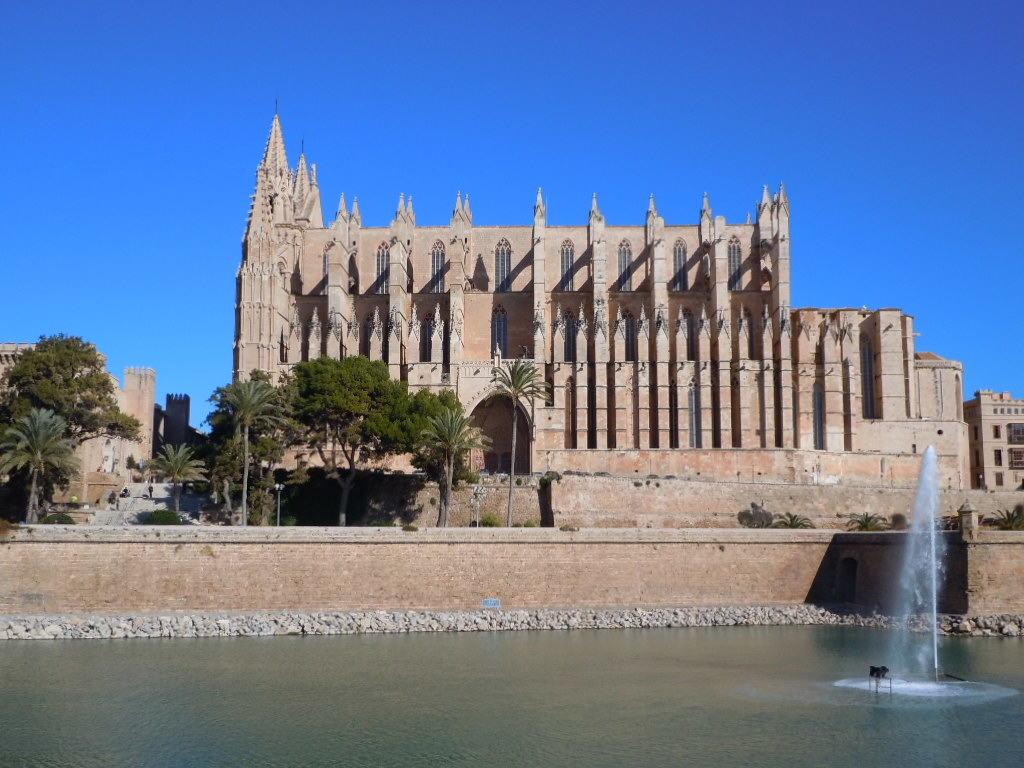 Historien bakom katedralen i Palma