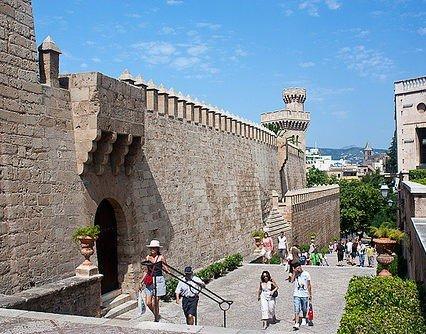 Palma ska locka turister året runt