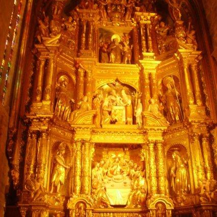 Nyrenoverat altare i katedralen