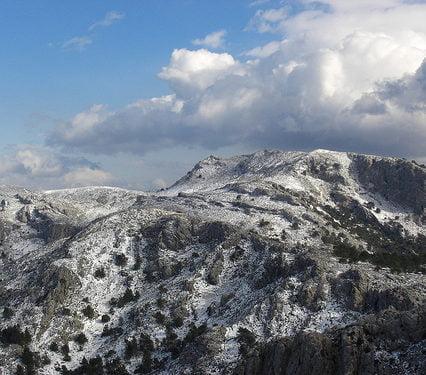 Snö i bergen till helgen