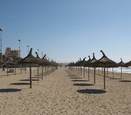 Dyrare hyra solstol i Palma