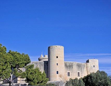 Nu kan du hyra Castell de Bellver