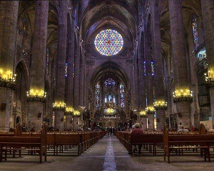 Nu får vi se mer av katedralen i Palma